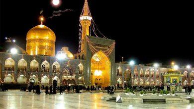 تصویر از طنین صلوات خاصه امام رضا(ع) در آخرین جمعه سال ۱۳۹۹ در حرم رضوی